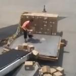 Как грузят ваши посылки в Китае и других странах (видео)