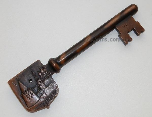 Сувенирный ключ Псков
