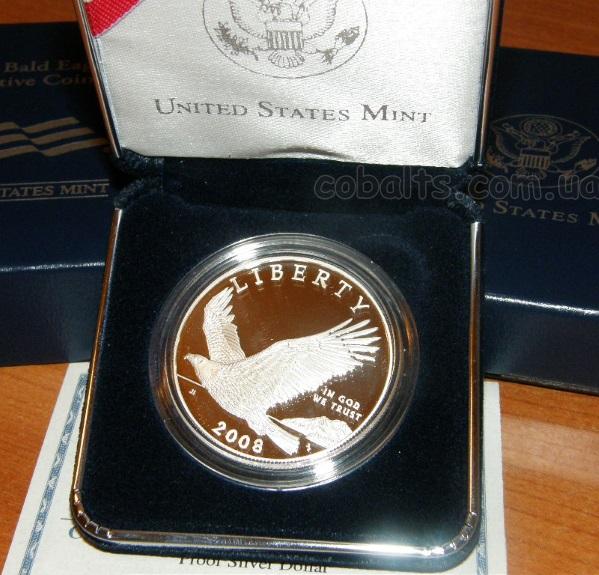 серебряный доллар Белоголовый орлан в футляре