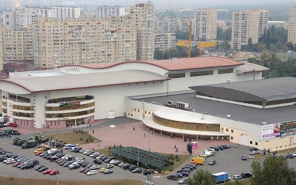 В международном выставочном центре возле ст. метро «Левобережная»