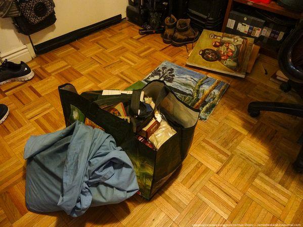 мы набрали четыре коробки барахла