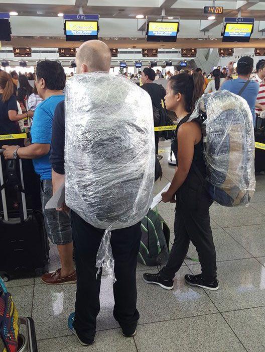 Багаж замотанный в стрейтч пленку